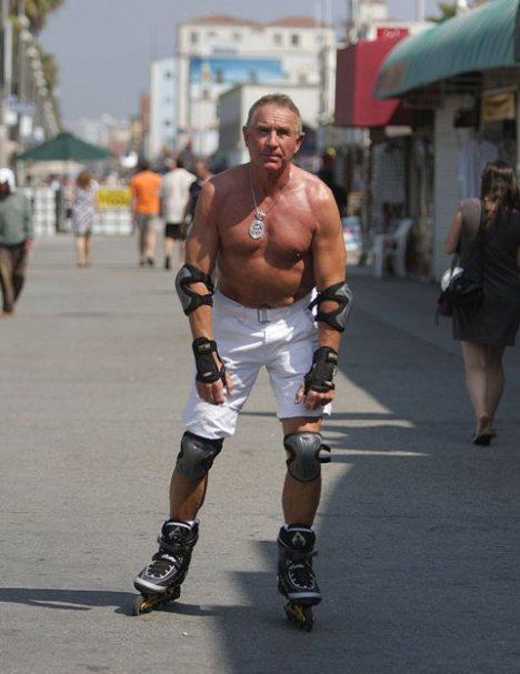 frederic-prinz-von-anhalt-venice-beach-roller-skate